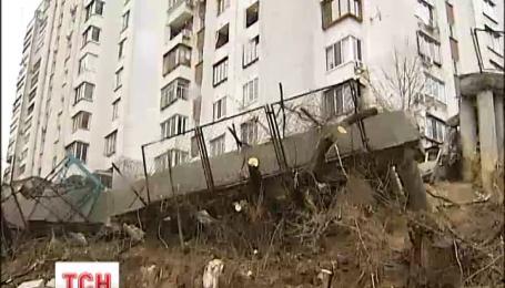 У столиці виявили 140 небезпечних будинків