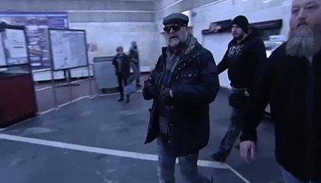 Легендарний Гребенщиков заспівав у київському метро