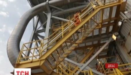 Світові ціни на нафту продовжують стрімке падіння