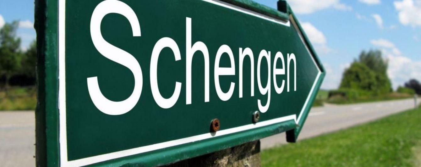 Посол пояснив, що означає для українців призупинення дії Шенгену Австрією