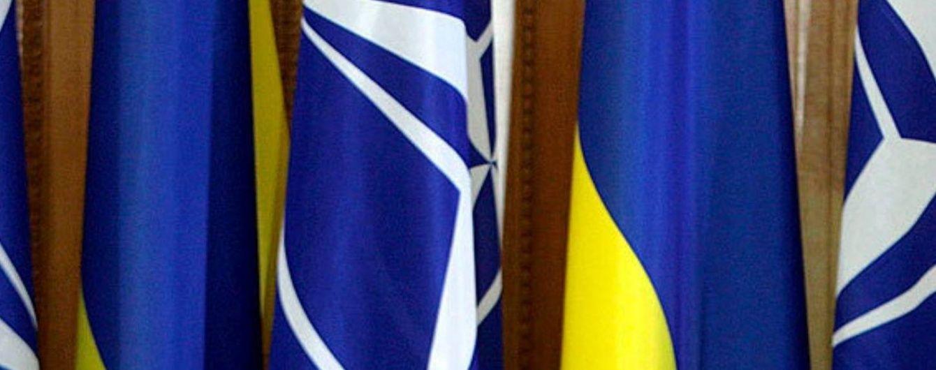 Угорщина втретє заблокувала засідання Комісії Україна-НАТО