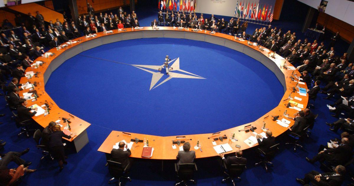 НАТО отточит реакцию на гипотетическую агрессию с Востока
