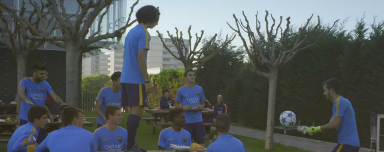 """Юні гравці """"Барселони"""" показали футбольні навички у промо-ролику до юнацької Ліги чемпіонів"""