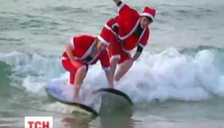 В Австралії 320 Санта Клаусів установили новий рекорд наймасовішого заняття серфінгом