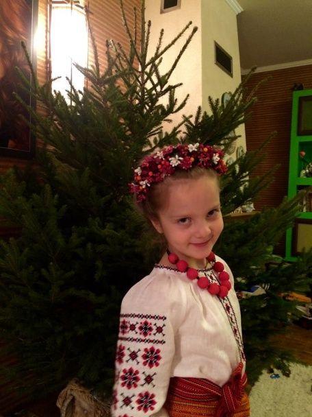 """Сніжана Єгорова показала доньку у вишиванці та пожалілася на """"самотній"""" рік"""