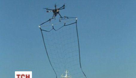 В Японії використовуватимуть спеціальні безпілотники із сіткою для вилову незаконних дронів