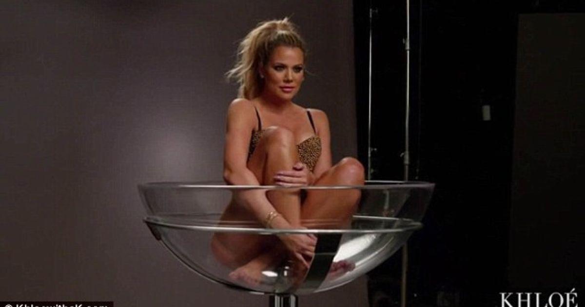 Хлое Кардашян продемонстрировала сексуальную фигуру @ khloewithak.com