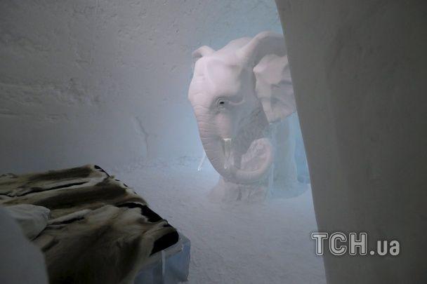"""Зимова казка у Швеції: Reuters показав фото """"чарівного"""" готелю із криги та снігу"""