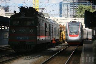 """Усі залізничні активи можуть підпорядкувати новоствореній """"Українській залізниці"""" в грудні"""