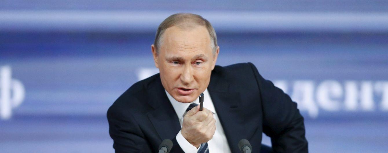 """Путін підтримав ідею регулювати """"погляди та думки"""" у Мережі"""