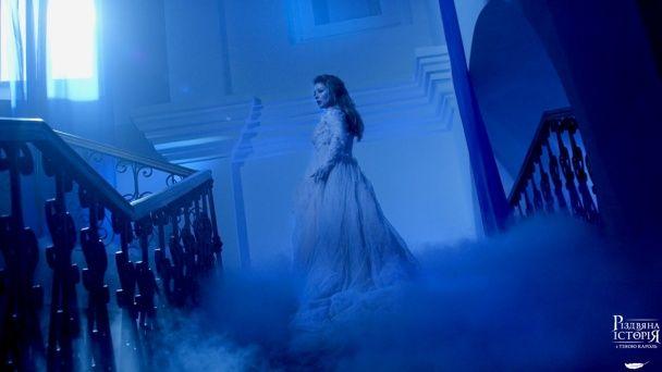 """У мережі з'явилися перші кадри музичного фільму """"Різдвяна історія з Тіною Кароль"""""""