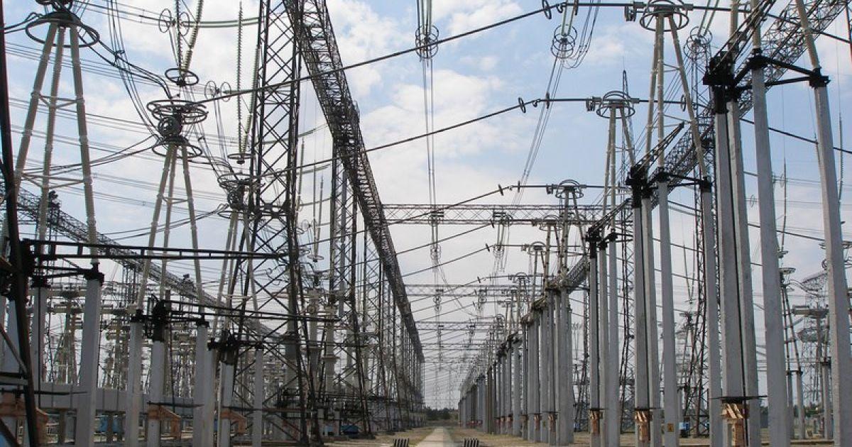 Зараз в роботі перебувають чотири енергоблоки. Сумарна потужність  генераторів - 3870 МВт. 142abb1acfec5