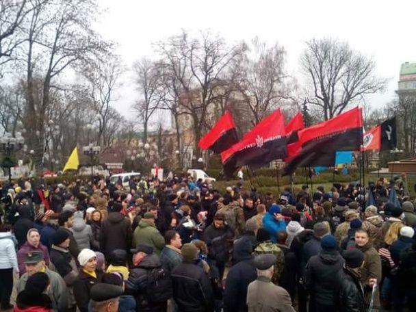 У Києві проходить марш на підтримку підозрюваних в убивстві Бузини
