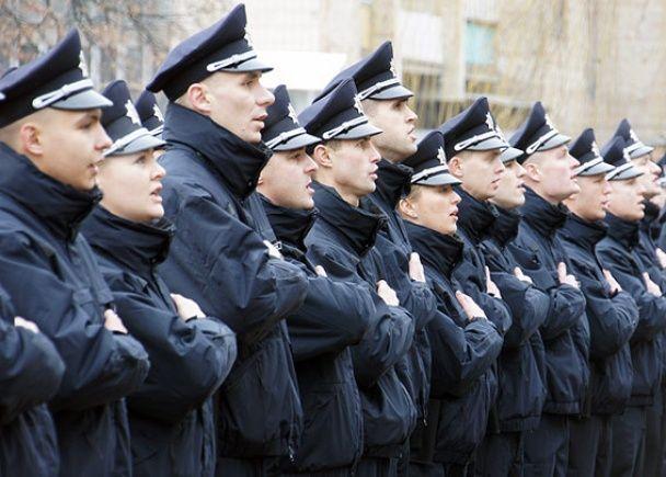 У Луцьку понад сотню патрульних присягнули на вірність українському народу