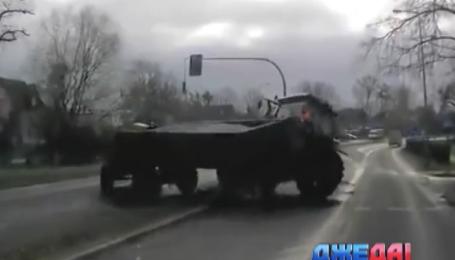 Подборка нелепых аварий с мировых дорог