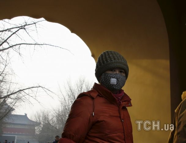 Пекін вдруге за місяць занурився у темряву через руйнівний смог