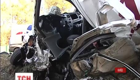 На Киевщине произошла масштабная авария, в которой столкнулось пять авто