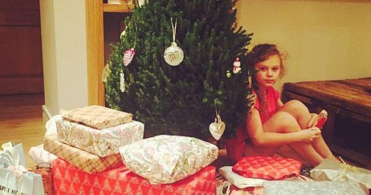 Обзор Instagram: звезды хвастаются елками и ждут новогодних праздников