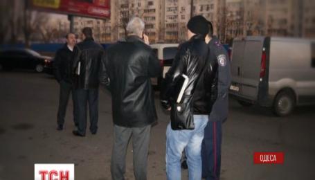 В Одессе грабитель скрылся с драгоценностями на маршрутке