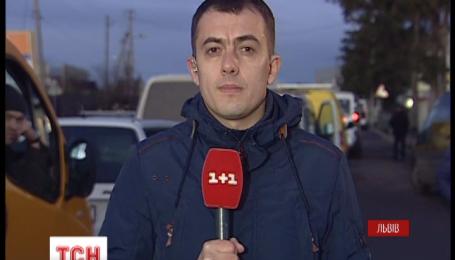 На украинской границе с Европой собираются километровые очереди
