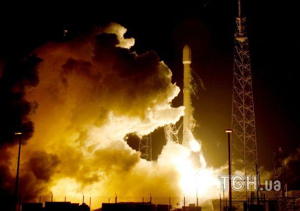 SpaceX уперше вдалося посадити ступінь ракети Falcon 9 на земну поверхню