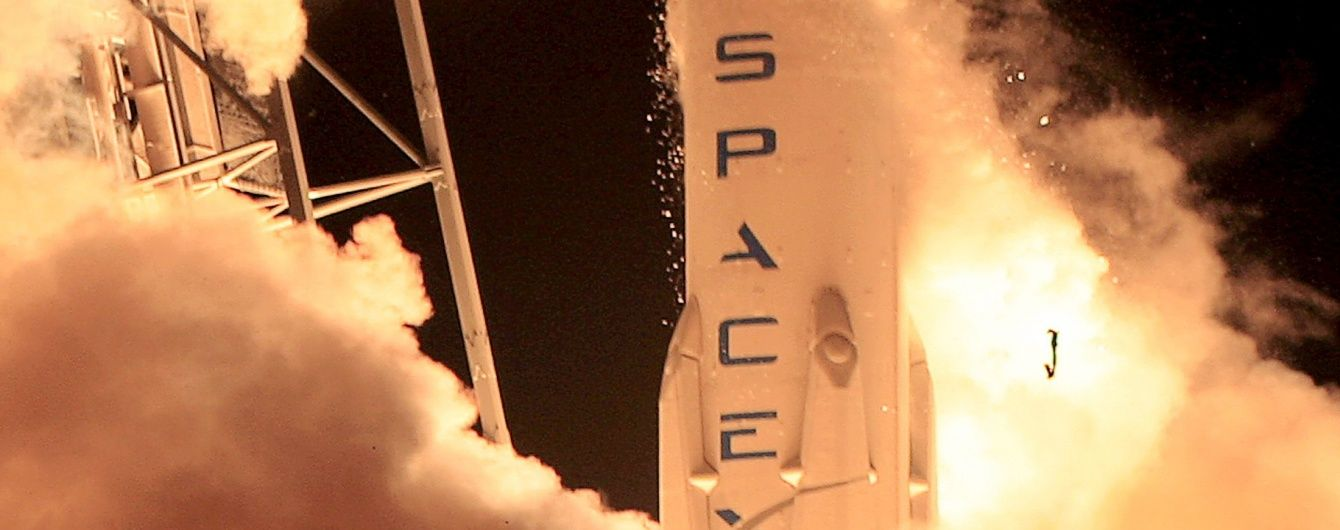 Falcon 9 успішно винесла на орбіту метеорологічний супутник, але жорстко приземлилася