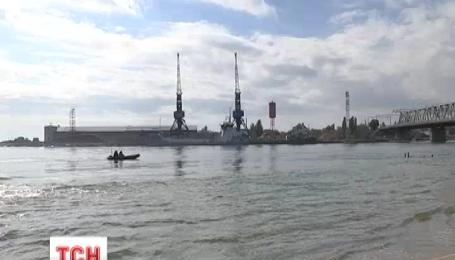На Одещині на мілину сіло суховантажне судно