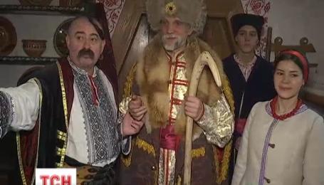 Дівчинка з Артемівська через рік дочекалася подарунків від Святого Миколая