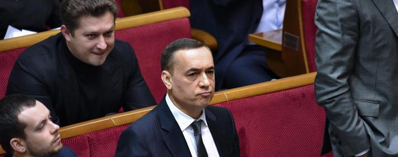 """У """"Народному фронті"""" вважають безпідставними звинувачення проти Мартиненка"""