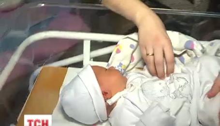 В Украине зарегистрировать рождение ребенка можно в роддоме