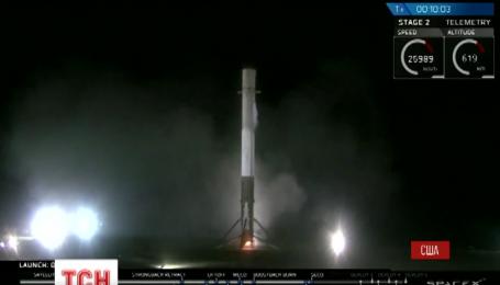 Вперше в історії аерокосмічного будування ракета-носій успішно сіла на Землю