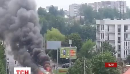 У Львові зайнявся трамвай
