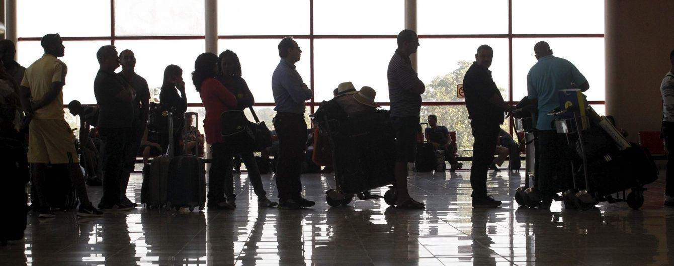 Літак Air Canada здійснив екстрену посадку: постраждала 21 людина