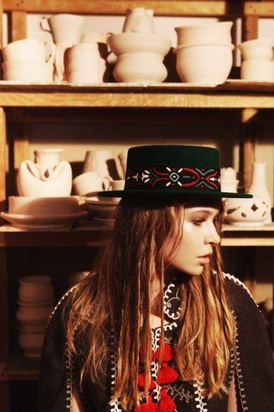 Донька Брежнєвої у капелюхах_2