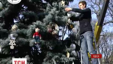 Украшения для новогоднего дерева в Одессе изготовили сами одесситы