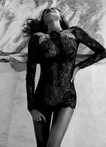 У Мережі з'явилася скандальна фотосесія оголеної Міранди Керр