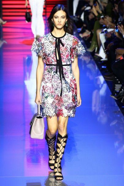Кружевные платья и гладиаторские сандалии от Elie Saab весна-лето 2016
