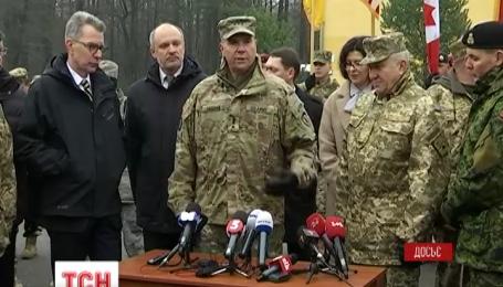 Министр обороны принял отставку Анатолия Пушнякова