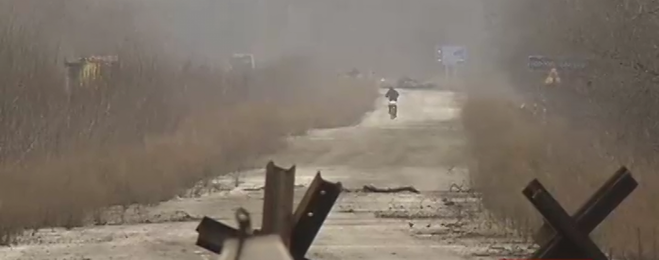 """Військові на Луганщині показали докази свіжих обстрілів позицій """"Градами"""""""