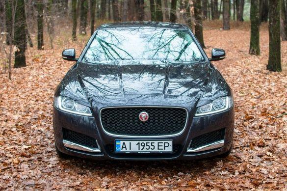 Jaguar XF_4