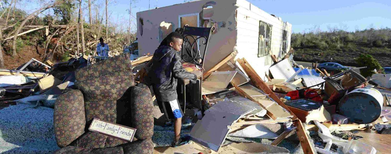 Кількість жертв торнадо у США зросла до 42