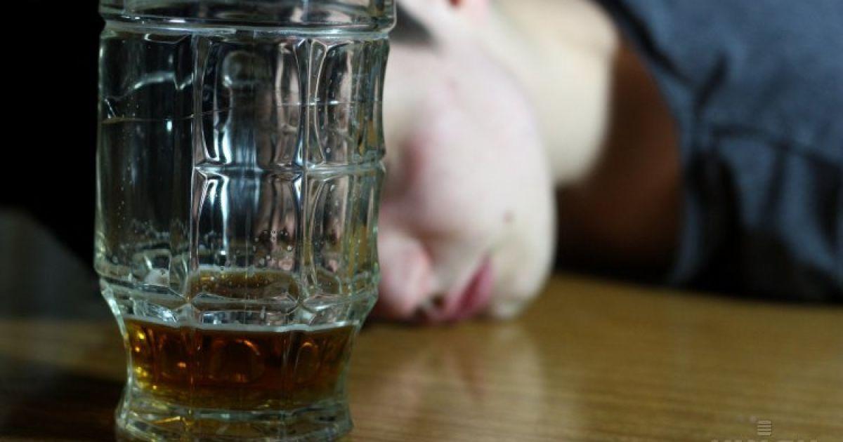 В Киеве запретили продавать алкоголь в МАФах