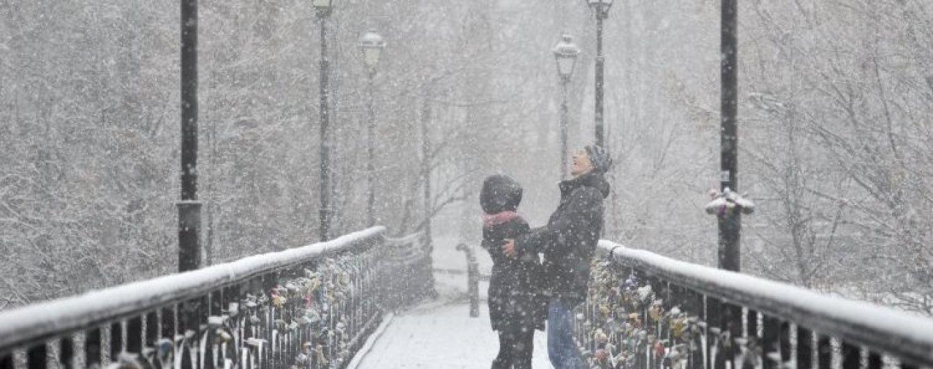 У суботу та неділю Україну підморозить і забілить снігом
