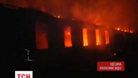 В Одеській області сталася велика пожежа на території військової частини