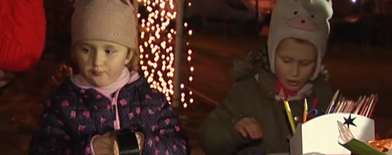 Сквер Небесної сотні у Києві перетворили на різдвяну казку для дітей