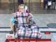 Волонтер Яна Зінкевич вперше після операції на хребті виїхала на вулицю на прогулянку