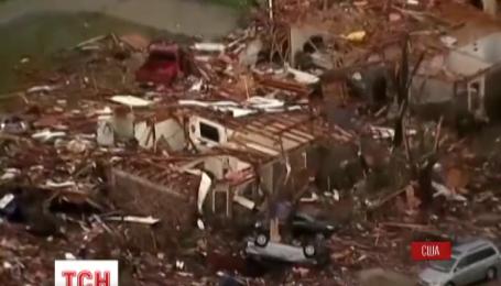 Десятки людей стали жертвами торнадо у США