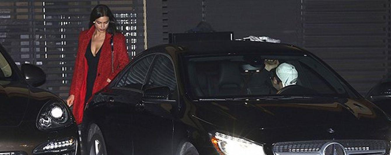 Ірина Шейк у сукні з відвертим декольте сходила на побачення з Бредлі Купером