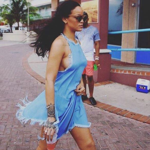 Ріанна на Барбадосі_2