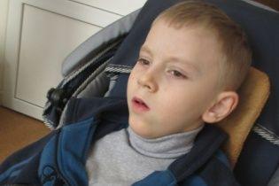 Допоможіть Іванку зробити свої перші самостійні кроки